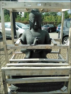 Statue décorative dans prête pour être livrée